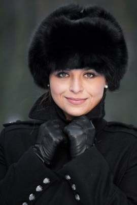Womens Fox Fur Trapper Hat in Black